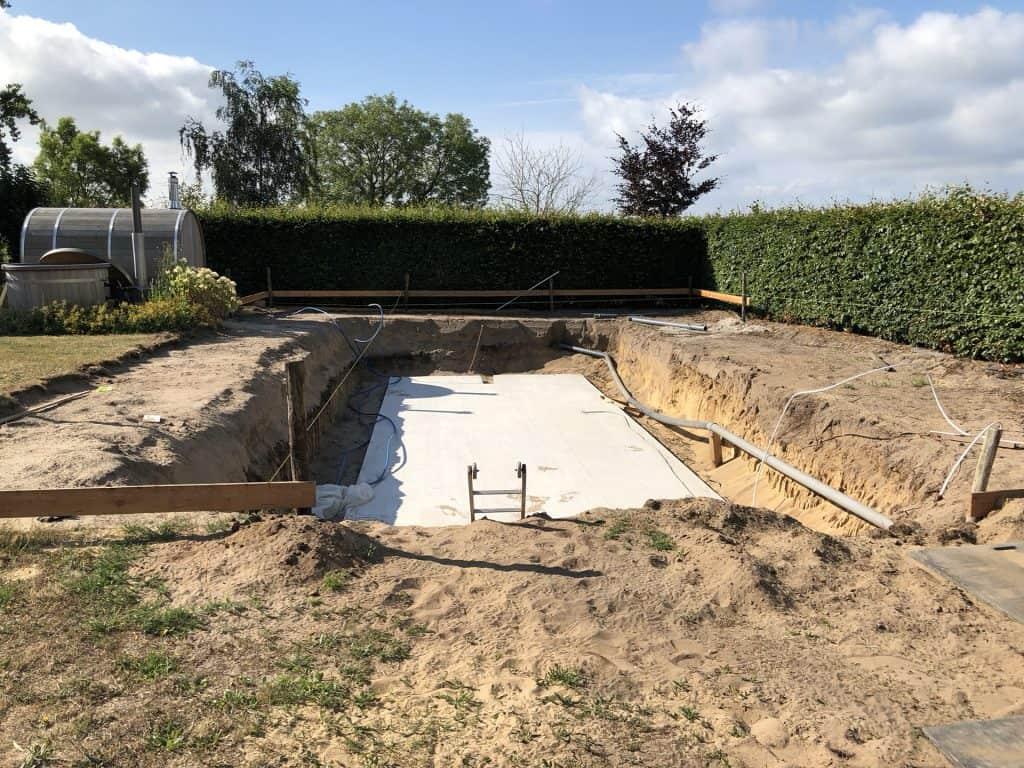 Gat graven & Betonplaat storten
