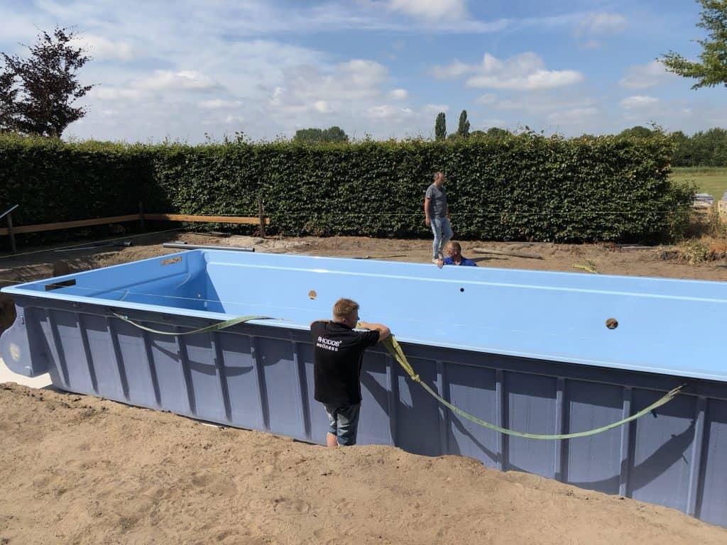 Aansluiten apparatuur polyester zwembad - Rhodos.nl